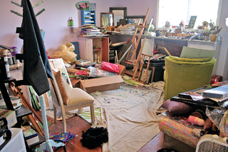 Female Motivational Speakers on Clutter and Holding on to Things
